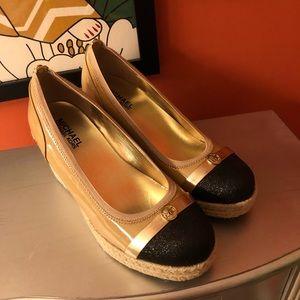 Michael kors size 7 shoes 🐓*